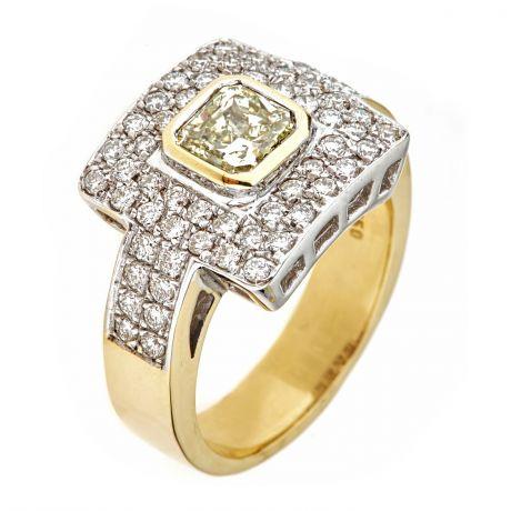 Ring with 1.09 carat Fancy Light Diamond, 10.60gr 18K Gold, IGI Certified