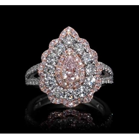 2.27 carats Ring with Fancy Light Pink diamond and 7.40gr. 18K Gold