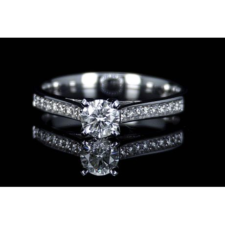Engagement ring with 0.64ct diamonds, IGL Certified