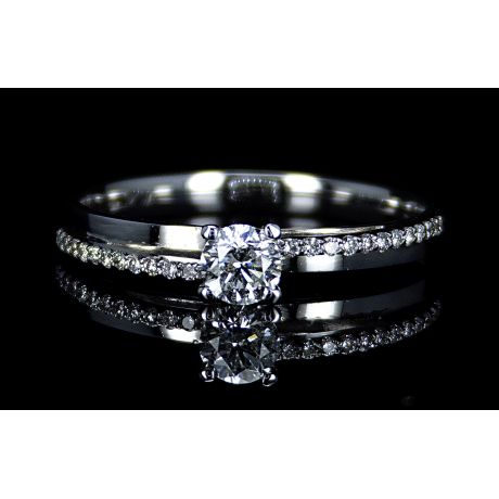 Engagement ring with 0.39ct diamonds, IGL Certified