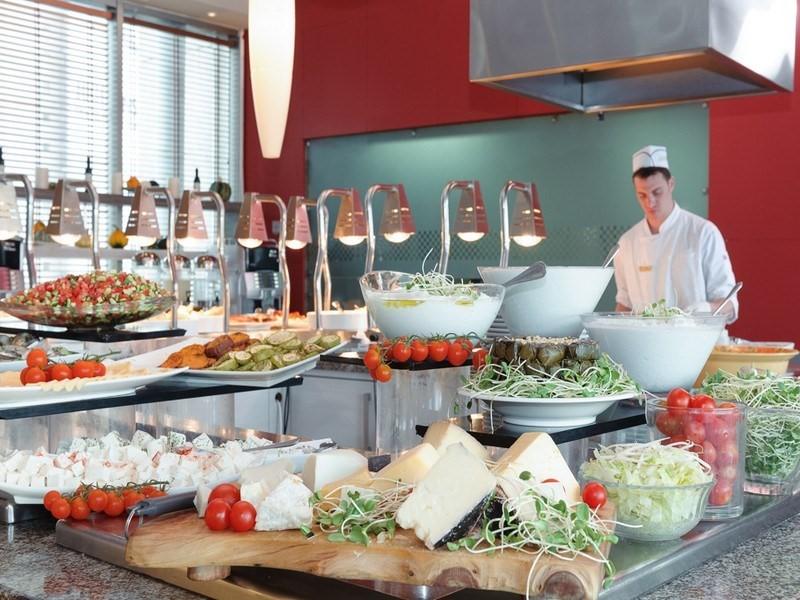 leonardo-city-tower-restaurant-8.jpg